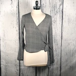 Polly & Esther plaid front tie blouse size Medium